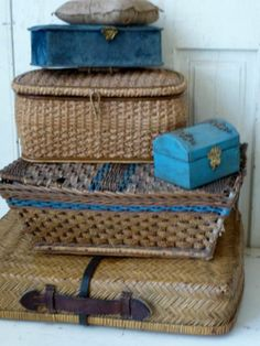*baskets and 2 blue latch closed boxes. All appear vintage and are nice looking.