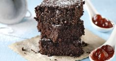 Chocolate and Cherry Brownies by Greek chef Akis Petretzikis. Rich chocolate combined with your own homemade cherry spoon sweet to make these amazing brownies! Pb2 Recipes, Brownie Recipes, Raw Food Recipes, Sweet Recipes, Snack Recipes, Cherry Brownies, Best Brownies, Peanut Powder, Greek Sweets