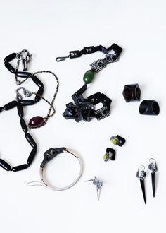 Sys Bjarnhof Jewelery  http://www.sysbjarnhof.dk/