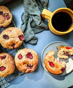Well folks, the muffins I posted last week were such a hit in our household that I knew I had to whip up something similar with our very own fresh strawberries. The berries at the farm are coming on strong and I wanted them to be the star of the show in this week's muffin … Breakfast Pastries, Best Breakfast, Breakfast Recipes, Lentil Flour, Strawberry Muffins, Healthy Muffin Recipes, Best Sweets, Seasonal Food, Buckwheat