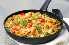 Kreolsk kyllingpanne - LINDASTUHAUG What To Cook, Sugar And Spice, Bon Appetit, Food Inspiration, Thai Red Curry, Nom Nom, Chicken Recipes, Recipies, Spices
