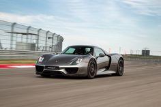 '15 Porsche 918 Spyder at COTA - Learn more at www.motoroso.com