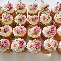 Good Morning New York City! I have pretty mini naked cake inspiration for you by the best: Have a sweet day my babes! Floral Cupcakes, Cute Cupcakes, Sweet 16 Cupcakes, Pink Cupcakes, Wedding Desserts, Wedding Cupcakes, Birthday Cupcakes For Women, Bridal Shower Cupcakes, Mini Cakes
