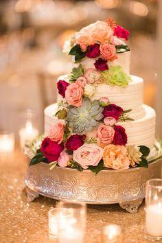 Featured Photographer: Valorie Darling Photography; wedding cake idea