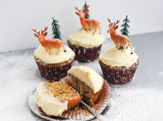 Mince Pie Cupcakes – made with a vanilla sponge, mincemeat and a luxurious brandy butter icing