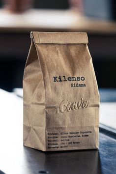 This is an example of Coava's coffee packages which just uses natural kraft paper as the majority of the design, no fancy graphics are needed to emphasize the aesthetic of this company besides the very minimal embossed logo of the company. Smart Packaging, Luxury Packaging, Coffee Packaging, Food Packaging, Packaging Design, Branding Design, Logo Design, Graphic Design, Product Packaging