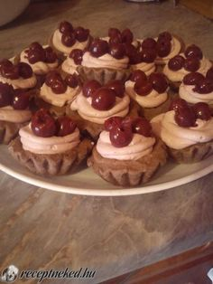 Érdekel a receptje? Kattints a képre! Küldte: Kovács Enikő Macarons, Biscuits, Cheesecake, Muffin, Cookies, Desserts, Recipes, Food, Lemon Desserts