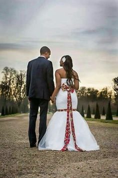 Ankara detailed wedding dresses are the new wedding dream dress now. Wedding dresses have taken a whole new dimension from the way it used to be African Print Wedding Dress, African Wedding Attire, South African Traditional Dresses, Traditional Wedding Dresses, Latest African Fashion Dresses, African Print Fashion, African Prints, Couples African Outfits, African Dress