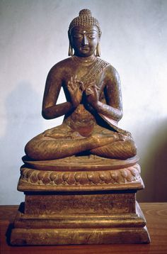 Ashmolean − Eastern Art Online, Yousef Jameel Centre for Islamic and Asian Art 725 AD Buddha Statues, Art Online, Southeast Asia, Asian Art, Fig, Islamic, Centre, Bronze, Brass
