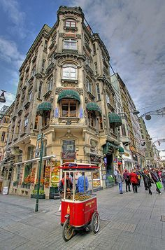 Istanbul 045PHDR | İstiklal Avenue or Istiklal Street (Turki… | Flickr
