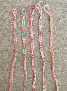 String Bracelet Patterns, Embroidery Floss Bracelets, Yarn Bracelets, Summer Bracelets, Seed Bead Bracelets, Paracord Bracelets, String Bracelets, Embroidery Thread, Friendship Bracelets Designs