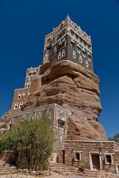 Palace Dar al Hajar, near Sana'a, Yemen (by anthony pappone).