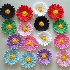 Check out Multicolor Split Ring Stitch Markers Mark Rings for Knitting Crochet Crochet Flower Tutorial, Crochet Flower Patterns, Crochet Stitches Patterns, Flower Applique, Crochet Flowers, Crochet Brooch, Crochet Motif, Knit Crochet, Crochet Sunflower