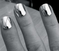 mirror mirror on your nails