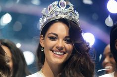 Demi-Leigh Nel-Peters is die nuwe Mej. African Girl, African Beauty, Demi Leigh Nel Peters, Tim Tebow, Miss World, Beauty Queens, Pageant, Makeup Ideas, South Africa