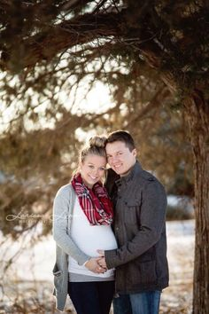 Winter Maternity #LarissaLynnPhotography