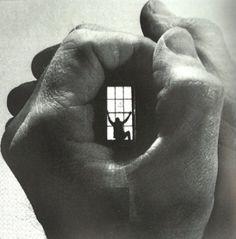 Prisão | Prison ✤ Em suas mãos... | In your hands ... #prisioneiro #prisioneira…