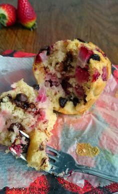 5 Sentidos en la cocina: Muffins jugosos de fresa, coco y chocolate