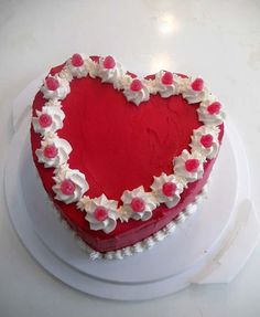 Cake Decorating Designs, Easy Cake Decorating, Cake Decorating Techniques, Pretty Cakes, Cute Cakes, Yummy Cakes, Valentines Baking, Valentines Day Cakes, Hart Cake