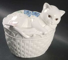 Lenox Butterfly Meadow Figurine Covered Dish