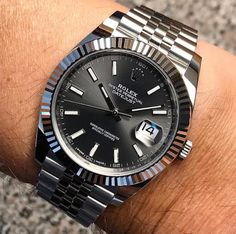 In some cases part of that image is the quantity of money you invested to use a watch with a name like Rolex on it; it is no secret how much watches like that can cost. Rolex Watches For Men, Seiko Watches, Luxury Watches For Men, Wrist Watches, Expensive Watches For Men, Analog Watches, Rolex Oyster Perpetual, Rolex Datejust Ii, Vintage Rolex