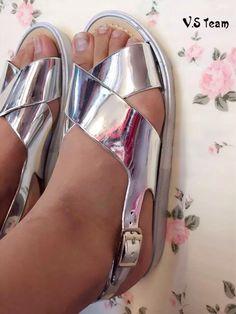 银色交叉凉鞋-RM25 尺码:36/37/38/39/40 wechat asutmi1314