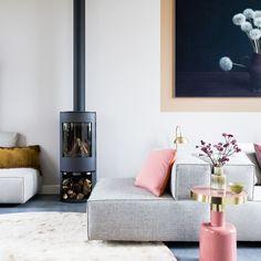Simple Living Room, New Living Room, Living Room Interior, Home And Living, Living Room Decor, Simple Interior, Interior Design Tips, Interior Styling, Exterior Design