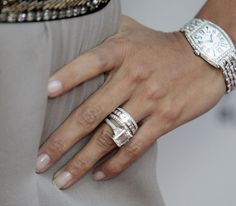 Eva Longoria Emerald Cut       westjenn  Joined: January 3rd, 2006, 6:33 am     by westjenn » December 4th, 2009, 4:51 pm  January Jones recently got engaged. Wish I could find a better picture of her ring..  ATTACHMENTS