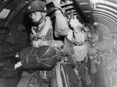 Remembering D-Day: Paratrooper about to jump into combat on D-Day, on June if you look close these are members on the greatest airborne unit .THE AIRBORNE DIV Pearl Harbor, D Day 1944, Normandy Invasion, Band Of Brothers, Paratrooper, Military History, Military Photos, Us Army, World War Two