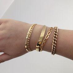 Cute Jewelry, Body Jewelry, Jewelry Necklaces, Gold Bracelets, Jewellery, Chain Bracelets, Tiffany Bracelets, Gold Bracelet For Women, Thread Bracelets