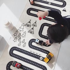 YES ! This crazy popular rug has arrived and is now in stock. Find them at ✖️️leoandbella.com.au✖️The gorgeously hand printed rug will keep you little one entertained for hours 🚌🚍🚙🚘🚗🚕🚖🚛🚚 and it also is a very stylish looking piece to add to the decor of your home. Georgous image by @oakoakshop #oyoy #adventurerug #oyoyrug #oyoylivingdesign #kidsrug #trainrug #kidsinterior