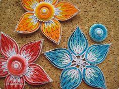 Все цветы и листочки накручены из цветных полосок бумаги шириной 2,5 мм. Листочки уже два года у меня лежат.... сделаны по МК Ларисы Засадной   http://stranamasterov.ru/node/180315 Цветы  нашла в интернете   http://quillingmesoftlee.blogspot.de/ фото 7