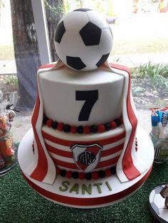 River Plate Cake #futbolriverplate Soccer Birthday, 4th Birthday Parties, Soccer Theme Parties, Party Themes, Soccer Baby Showers, Soccer Cake, Little King, Party Rock, Ideas Para Fiestas