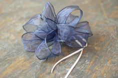 How to Make a Bow Out of Ribbon   How to Tie a Bow