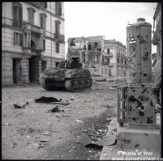"""Canadian Armoured Brigade have joined infantry in Ortona, hoping to force Germans from the """"Italian Stalingrad"""". Canadian Soldiers, Canadian Army, Canadian History, Royal Canadian Navy, Ww2 Pictures, Killed In Action, Military Life, World War Two, Wwii"""