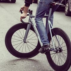 KNIFE : BUTTERFLY by www.velovek.com #velovek #bike # fixie
