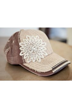 Burlap & sparkle.  Love this!!