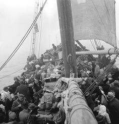 Refugees on board the Triina. The small boat Triina left Tallinn on 19 September, with about 450 Estonians and 80 coastal Swedes on board. The passengers included writers August Gailit, Marie Under, Artur Adson and August Mälk, who all continued to be prominent Estonian writers in exile.