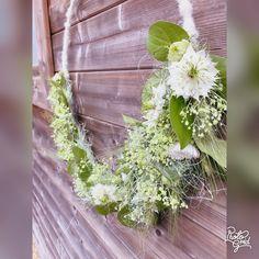 Wreaths, Home Decor, Decoration Home, Door Wreaths, Room Decor, Deco Mesh Wreaths, Interior Design, Home Interiors, Bouquet