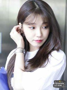 Eunji Apink, Busan South Korea, Eun Ji, Family Values, Beautiful Person, Just The Way, Hairstyles With Bangs, Girl Power, Girl Group