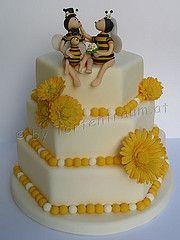 Bienen Brautpaar Familie Hochzeitstorte Bee Cakes, Birthday Cake, Artists, Desserts, Food, Bees, Newlyweds, Kuchen, Projects