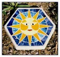 Stained glass mosaic stepping stones in a hexagonal shape and variety of colors. Stained Glass Cookies, Stained Glass Birds, Stained Glass Panels, Stained Glass Projects, Fused Glass Art, Stained Glass Patterns, Mosaic Flower Pots, Mosaic Pots, Mirror Mosaic