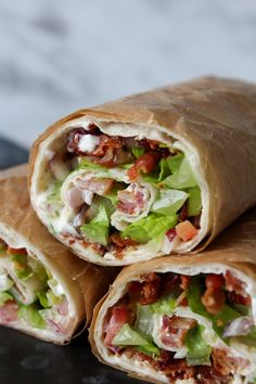 BLT Inspireret Wraps Healthy Eating Recipes, Lunch Recipes, Mexican Food Recipes, Eat Healthy, Gourmet Cooking, Cooking Recipes, Food To Go, Food And Drink, Burritos