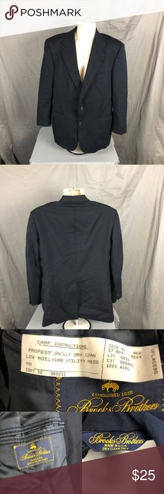 """Brooks Brothers Men's Wool Black 41 Reg Blazer #1000 Brooks Brothers Men's Wool Black 41 Reg Blazer Shoulder Measurements approximately 19"""" Length from neck to bottom measurements approximately 31"""" Arm length Measurements approximately 23"""" Previously owned with a pin size hole and a mark ( SEE PICS). Brooks Brothers Suits & Blazers Sport Coats & Blazers"""
