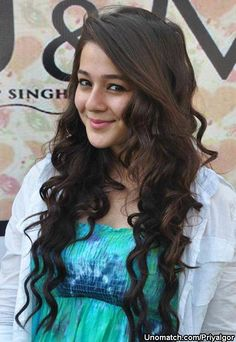 Priyal Gor is an Indian television and film actress. She started her career at age 15 with a role in the Hindi television series Ishaan: Sapno Ko Awaaz De. She landed the lead female role in Ram Milaayi Jodi and went on to appear in several more Hindi television series before starting to act in films as well. like : http://www.Unomatch.com/Priyalgor/