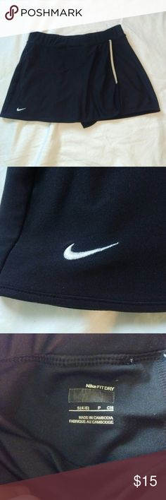 Nike Fit Dry Running skort size small EUC 13 inch elastic waist, 12 inches long, shorts inseam 4.5 inches, small back stash pocket for keys/id Nike Shorts Skorts