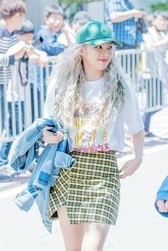 [170602 ] Hyoyeon heading to KBS Music Bank to preform WANNABE