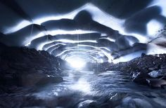 AD-Alien-Places-Look-Like-Other-Worlds-29Ice Cave, Oregon, Usa