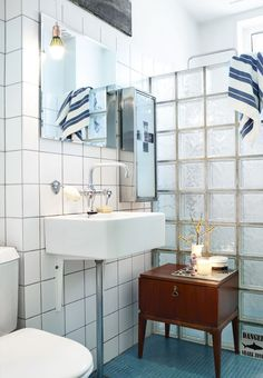 Cheap & Chic: Inexpensive Materials Looking Great in the Bathroom (Apartment Therapy Main) Brown Bathroom Paint, Bathroom Colors, Industrial Bathroom Lighting, Vintage Industrial Decor, Bathroom Renos, Small Bathroom, Bathroom Ideas, Bathroom Inspiration, Shower Ideas