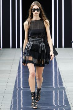 Marine Deleeuw @ Maxime Simoëns Spring 2014 Ready-to-Wear Collection Slideshow on Style.com